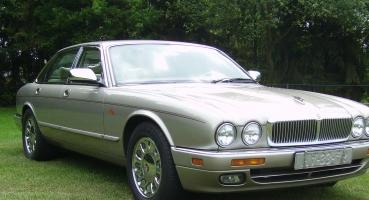 Super mooie Jaguar daimler double six 1995